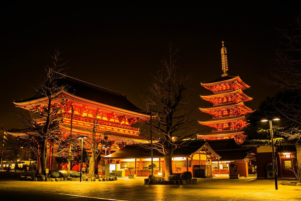 Night Asakusa is also recommended